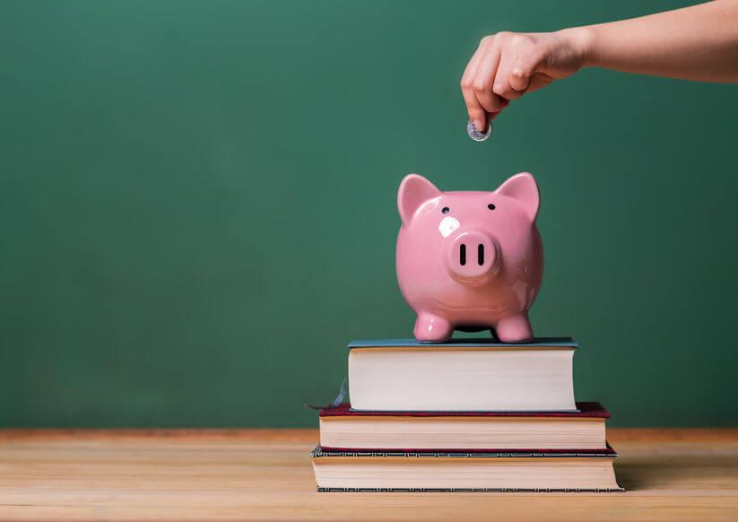 私立小学校の学費と年収の関係