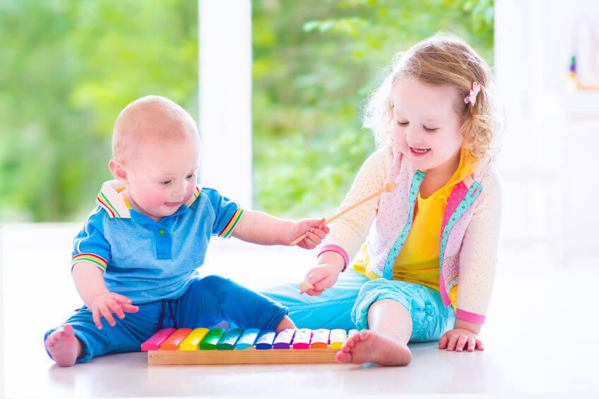 音楽教室に通う子供