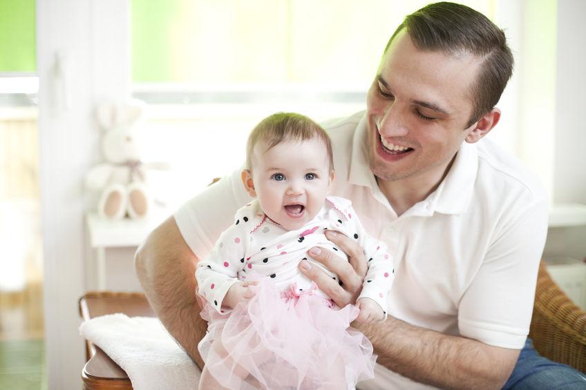 なぜ夫が子どもを甘やかすのか?その理由と夫婦で上手く子育てを分担する方法