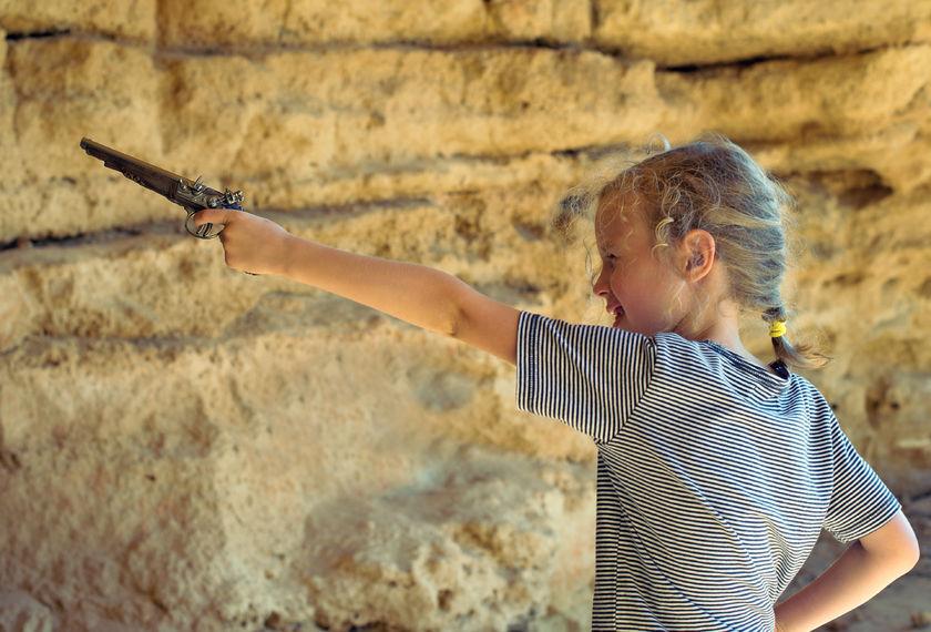 大谷石採掘場跡地底湖ツアーに参加して岩石について学ぼう!