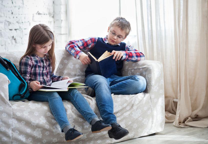 本を読む子供