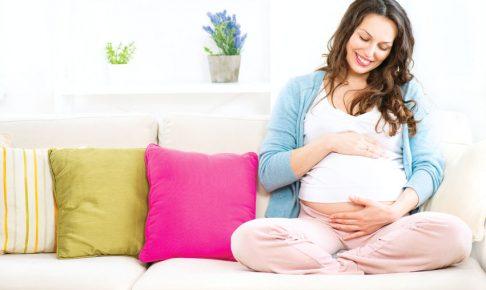 胎教をしているママ