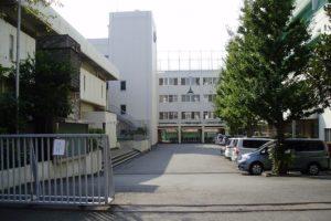 成城中学校高等学校の校舎