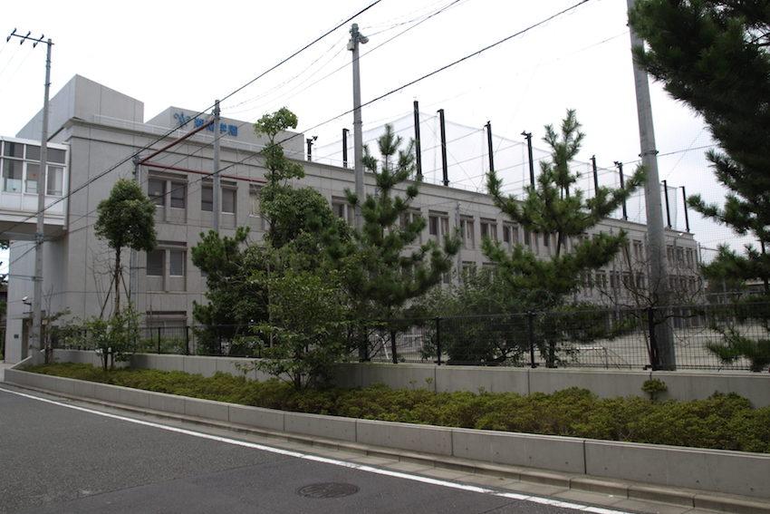 湘南学園中学校の校舎