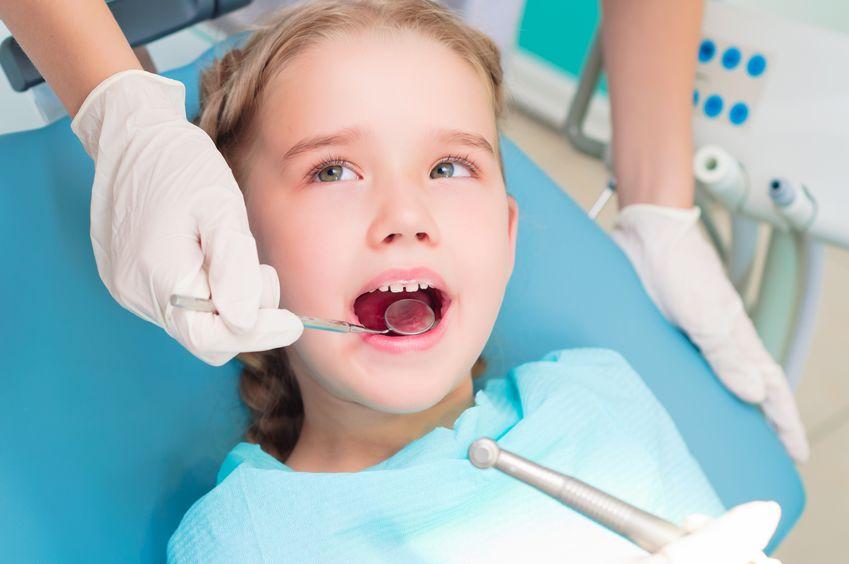 歯医者に通う子供