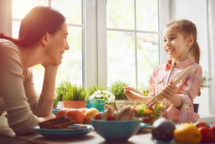 栄養のある食事をする家庭