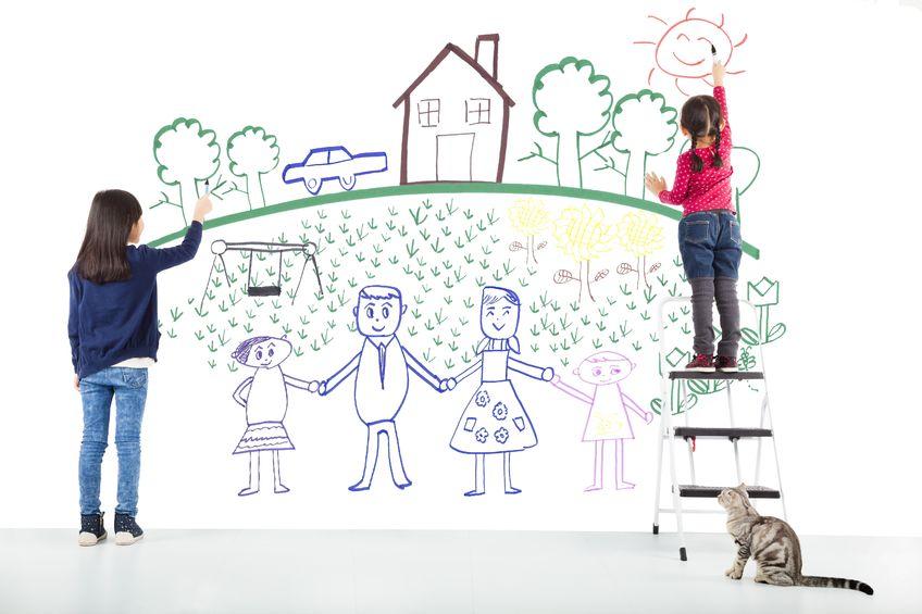 絵を描く子供たち