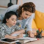 家庭学習をサポートする親