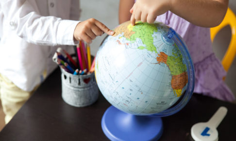 小学校での社会の勉強