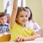 通塾をする4年生の子供たち