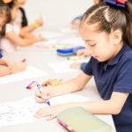 幼児教室で学ぶ子供