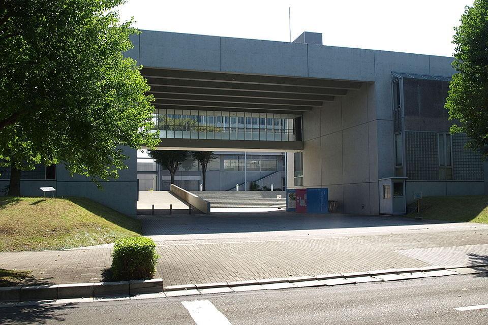 慶應義塾湘南藤沢中等部の校舎